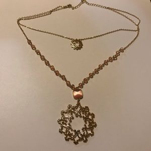 Lace filigree layered look necklace Goldtone/Pink